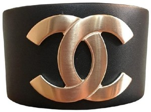 Chanel New with tag Chanel black leather golden cc logo cuff