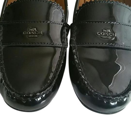 Preload https://img-static.tradesy.com/item/23047844/coach-black-odette-casual-loafers-in-patent-leather-flats-size-us-6-regular-m-b-0-6-540-540.jpg