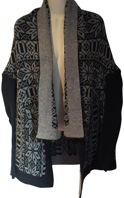Item - Black and Grey Almost New Nordic Shawl Cardigan Size 8 (M)