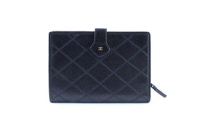 Item - ( Ultra Rare ) Quilted Bifold Wallet 858431 Black Leather Clutch