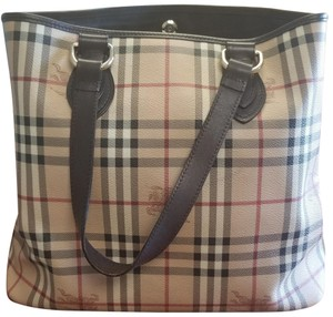 Burberry Bags and Purses on Sale - Up to 70% off at Tradesy f5f38b5e02