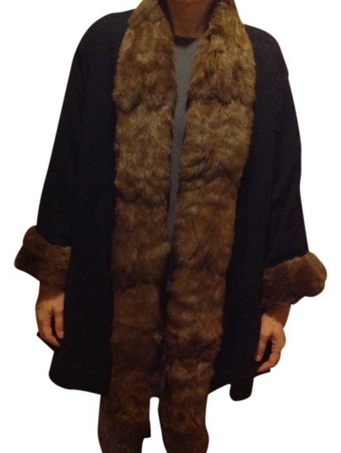 Preload https://img-static.tradesy.com/item/2305152/gianfranco-ferre-dark-blue-w-beige-fur-cashmere-ponchocape-size-12-l-0-0-650-650.jpg