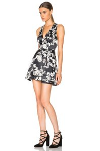 Alice + Olivia Tanner Open V Neck Party Fit And Flare Dress