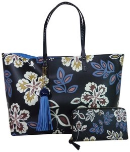 Tory Burch Tote in Navy/Multi Colored