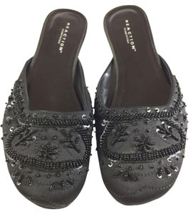 Kenneth Cole Reaction Beaded Flats Slip-ons Black Sandals