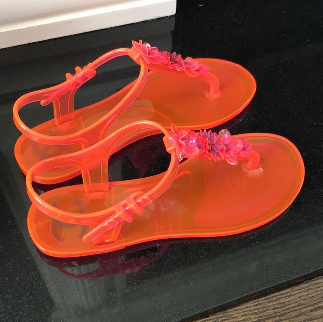 Chanel Pink Jelly Pvc Thongs Flats Sandals Size EU 37 (Approx. US 7) Regular (M, B) Chanel Pink Jelly Pvc Thongs Flats Sandals Size EU 37 (Approx. US 7) Regular (M, B) Image 4