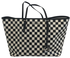 Michael Kors Tote in Black and White
