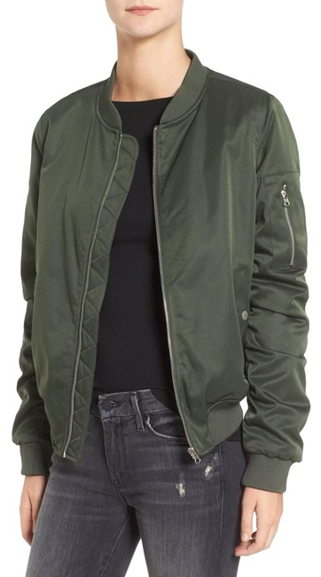 Preload https://item3.tradesy.com/images/bb-dakota-army-atwood-bomber-size-4-s-23054992-0-1.jpg?width=400&height=650