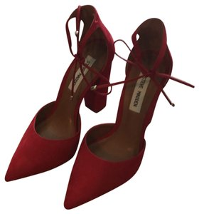 e4548a72aee Red Steve Madden Pumps - Up to 90% off at Tradesy