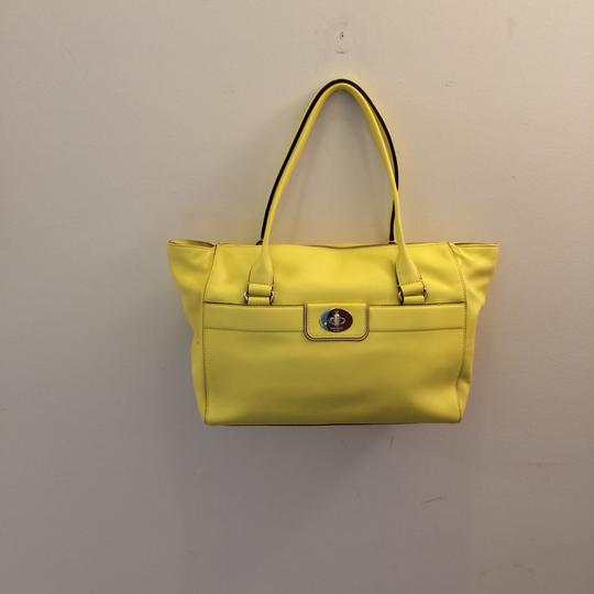 Kate Spade Satchel in yellow Image 3