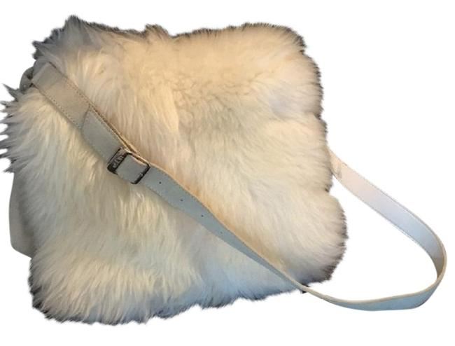 Item - Flapper White Cream Shoulder Bag