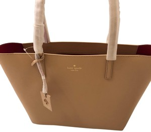 Kate Spade Tote in Beige exterior/red interior