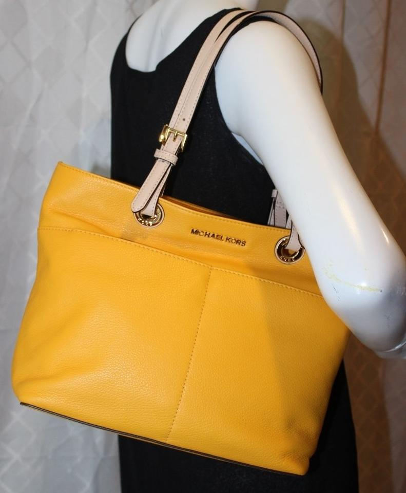 2913e6678594 MICHAEL Michael Kors Bedford Leather Pocket Yellow Tote in Sunflower Image  7. 12345678