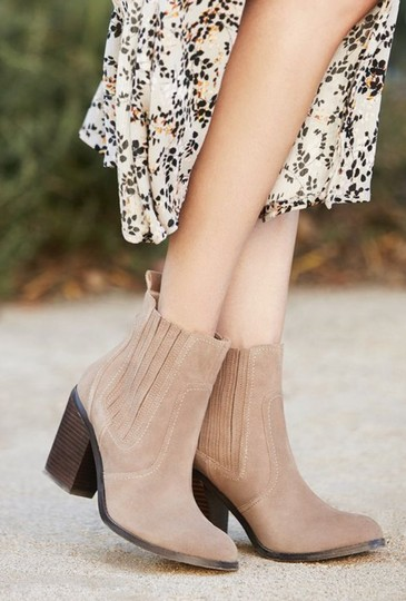 Sole Society New Suede Block Heel Brown taupe Boots Image 2