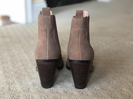 Sole Society New Suede Block Heel Brown taupe Boots Image 4