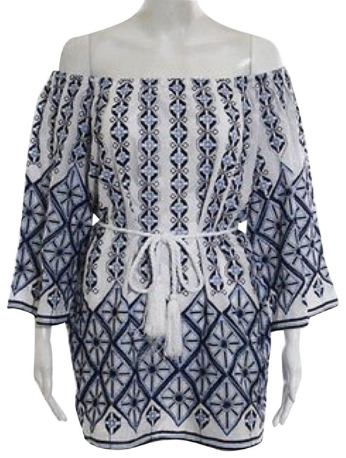 Item - Blue and White Embroidered Off The Shoulder Short Casual Dress Size 0 (XS)