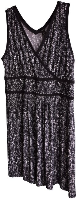 Preload https://img-static.tradesy.com/item/23060268/ann-taylor-blackwhite-sleeveless-wrap-mid-length-workoffice-dress-size-16-xl-plus-0x-0-1-650-650.jpg