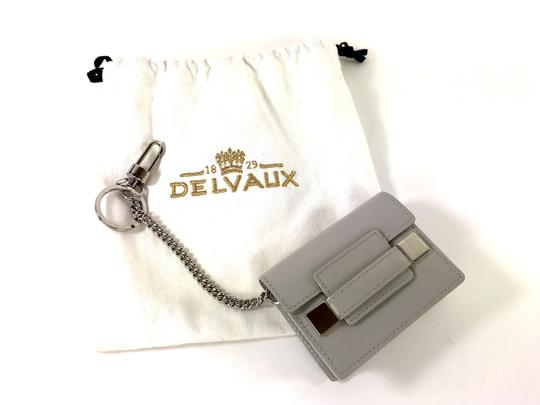 Delvaux NWOT Delvaux Dove Gray Patent Leather Madame PM Key Ring Pouch Image 3