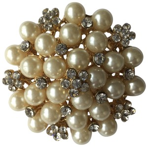 Other Pearl & Crystal Gold Tone Brooch