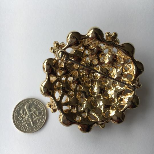 Other Pearl & Crystal Gold Tone Brooch Image 1