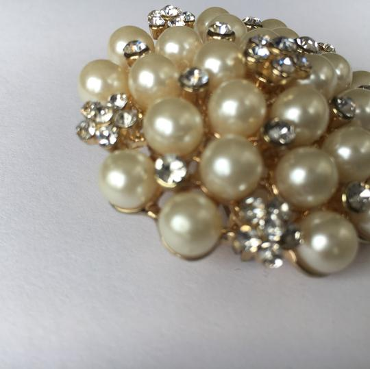 Other Pearl & Crystal Gold Tone Brooch Image 3