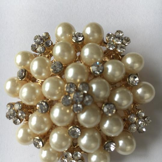 Other Pearl & Crystal Gold Tone Brooch Image 5