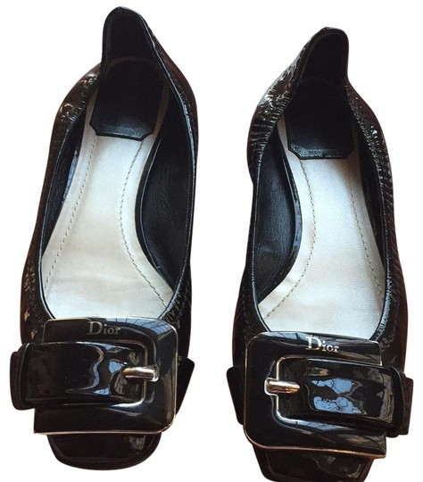 Preload https://img-static.tradesy.com/item/23060853/diego-di-lucca-black-patent-leather-dior-and-silver-buckle-flats-size-us-7-regular-m-b-0-1-540-540.jpg
