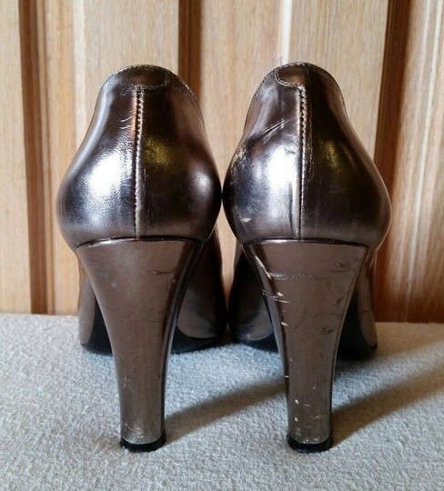 Marc by Marc Jacobs Metallic Leather Silver Pumps Image 6