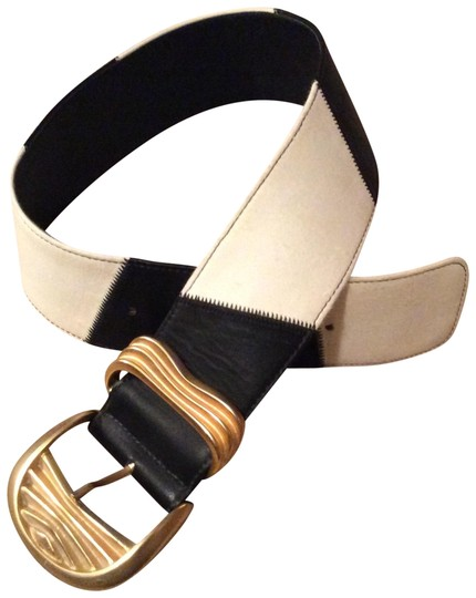 Preload https://img-static.tradesy.com/item/23060982/black-and-white-and-leather-with-heavy-gold-buckle-belt-0-2-540-540.jpg