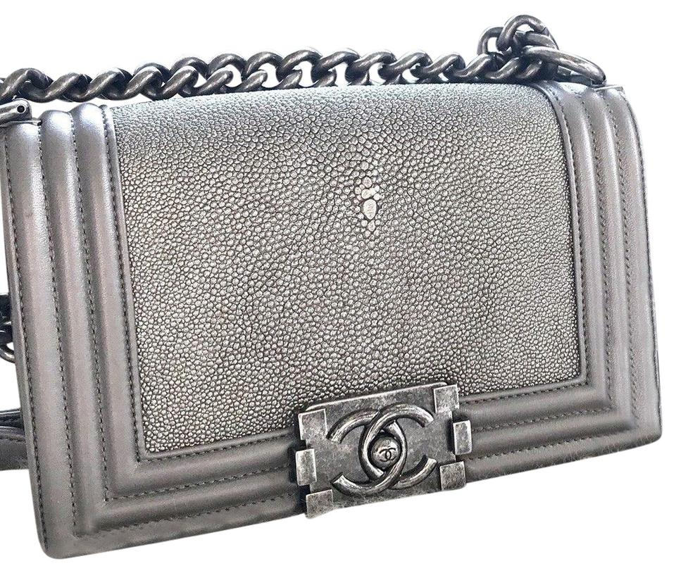 507d75a51b4e49 Chanel Metallic Metallic Hardware Stingray Cross Body Bag Image 0 ...