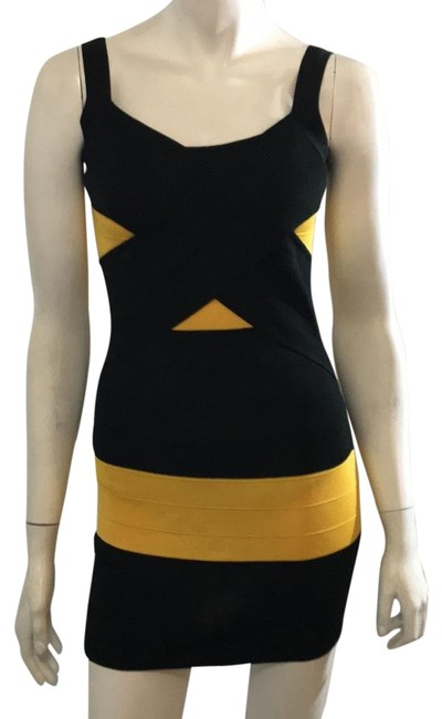 Preload https://img-static.tradesy.com/item/23061283/black-and-yellow-short-casual-dress-size-2-xs-0-1-650-650.jpg