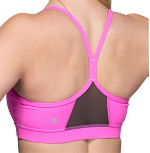07a0f4b388 Women s Activewear - Up to 70% off at Tradesy