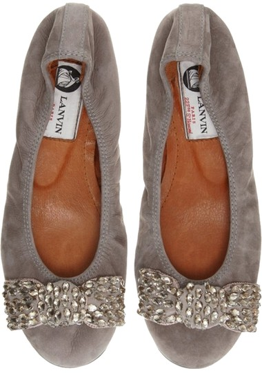 Preload https://item4.tradesy.com/images/lanvin-taupe-suede-ballet-with-gold-crystal-bow-flats-size-us-8-regular-m-b-2306288-0-0.jpg?width=440&height=440