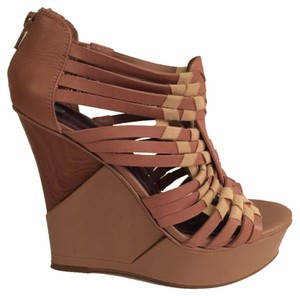 Gianni Bini Wedge New Wooden Platform Beige Nude Size 7.5 Women Pre-owned Tan Sandals