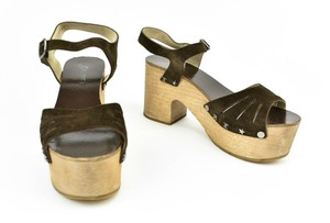 Chanel Leather Cc Wedge Brown Sandals