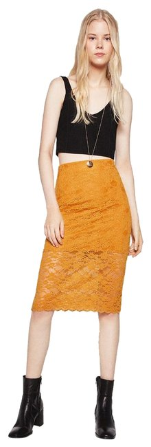Item - Yellow Half Lined Straight Stretch Waist Floral Lace New Skirt Size 12 (L, 32, 33)
