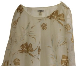 1f17d0c357ac9 Patra Top Winter white with nice repeat oversized print