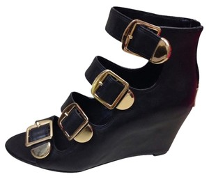 BCBGMAXAZRIA Black & Gold Wedges
