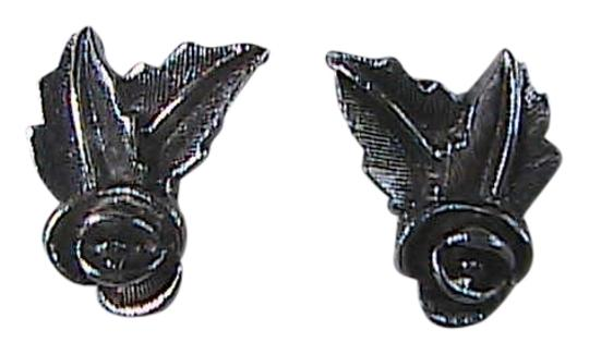 Preload https://img-static.tradesy.com/item/2306875/sarah-coventry-silver-tone-double-leaf-clip-on-earrings-0-0-540-540.jpg