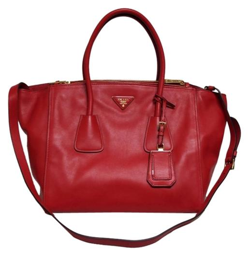 Preload https://item3.tradesy.com/images/prada-twin-twin-pocket-large-pocket-red-leather-tote-2307077-0-0.jpg?width=440&height=440