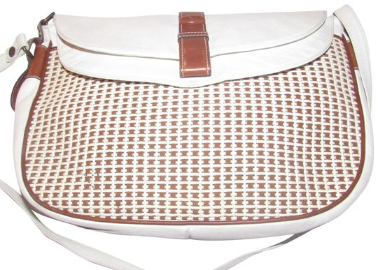 Preload https://img-static.tradesy.com/item/23072240/francesco-biasia-vintage-pursesdesigner-purses-white-leather-and-brown-and-white-woven-leather-shoul-0-1-540-540.jpg