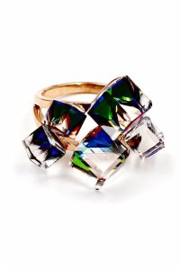 Ocean Fashion Gold colored square crystal ring