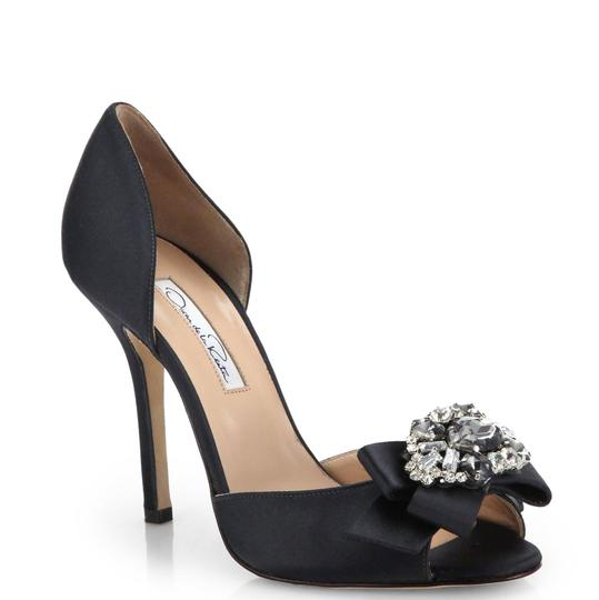 Preload https://img-static.tradesy.com/item/23072904/oscar-de-la-renta-black-rosalba-jeweled-satin-d-orsay-pumps-formal-shoes-size-eu-385-approx-us-85-re-0-0-540-540.jpg