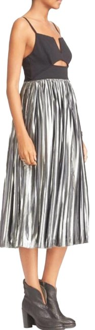 Item - Silver and Black Piper Pleated Midi Mid-length Night Out Dress Size 8 (M)