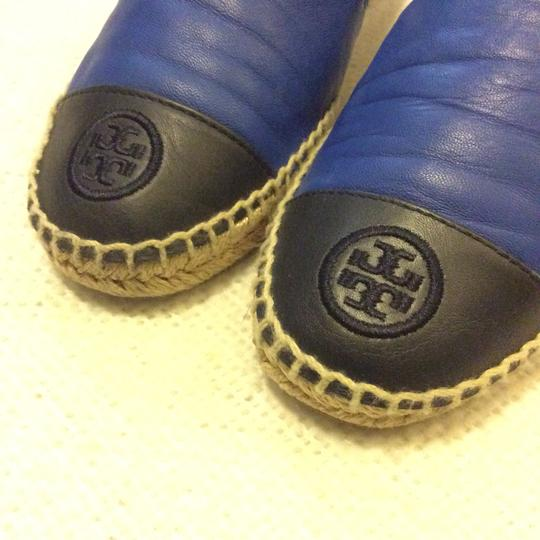 Tory Burch Black and Blue Flats Image 5