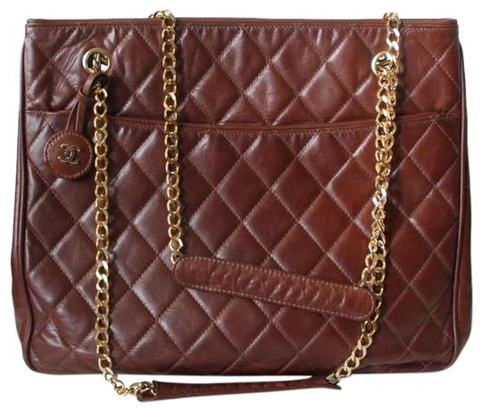 Preload https://img-static.tradesy.com/item/23073652/chanel-vintage-quilted-brown-leather-tote-0-1-540-540.jpg
