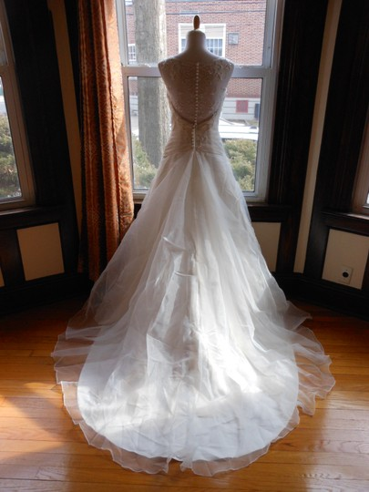 Justin Alexander Ivory Sample Destination Wedding Dress Size 6 (S) Image 2