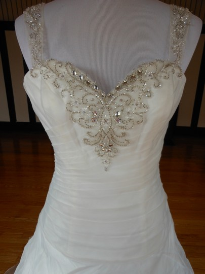 Justin Alexander Ivory Sample Destination Wedding Dress Size 6 (S) Image 3