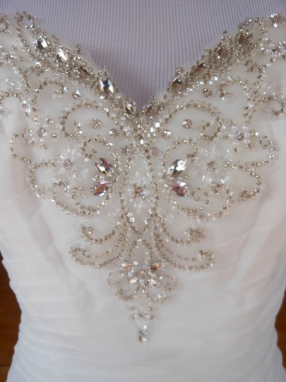 Justin Alexander Ivory Sample Destination Wedding Dress Size 6 (S) Image 4