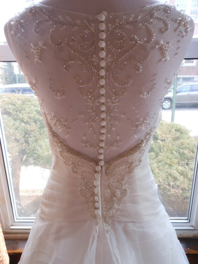 Justin Alexander Ivory Sample Destination Wedding Dress Size 6 (S) Image 5